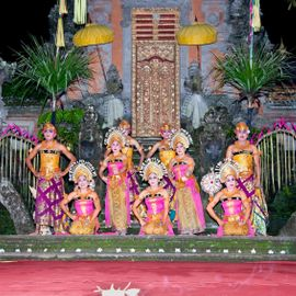 "Listening to A Happy Traditional Balinese Song ""Mejangeran"""