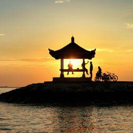 A Relaxing Walk Around Sanur Beach