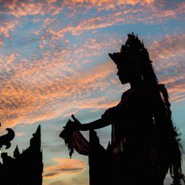 Enjoy the Indonesian Aesthetic Wealth at the Devdan Show Nusa Dua