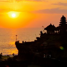 Witnessing the Stunning Sunset at Tanah Lot