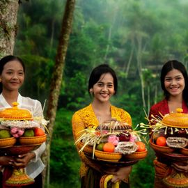 Traditional Food During the Hindu-Balinese Religious Ceremony