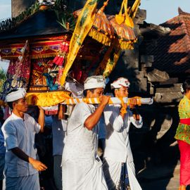 Tradition of Dewa Masraman in Paksebali Village Klungkung: Celebrating Happiness by Fighting
