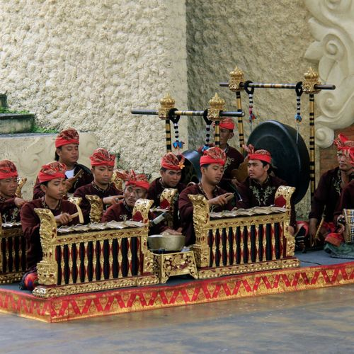 Sekar Agung, Lyrical Melody of Ancient Language Songs