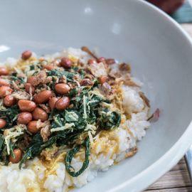 Mengguh Porridge: The Typical Santan Porridge of Buleleng
