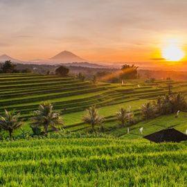 Tips on Getting the Most Beautiful Sunrise Photos in East Bali