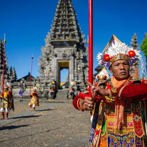 Baris Gede, Mass Dance for the Sacred Ceremony