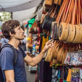 5 Tips to Buy Souvenirs at Low Prices at the Bali Art Market