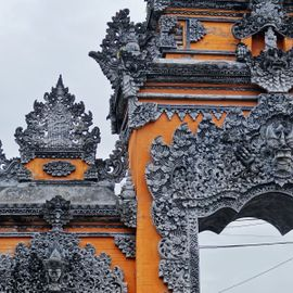 Understanding Symbols in Balinese Architecture Ornaments That's Full of Positive Energy