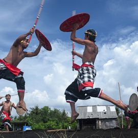 Seeing Traditional War Gebug Ende Seraya