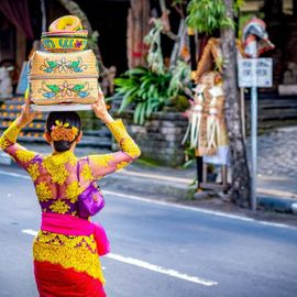 Creating Harmony Between Humans Through Ngejot Tradition