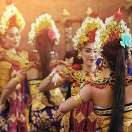 Get to Know the Oldest Dance in Bali: Pendet