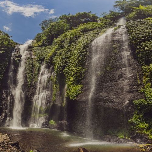 A Refreshing Summertime at Fiji Waterfalls
