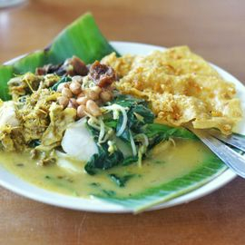 Explore Tipat Blayag Raja: What to Eat in Bali